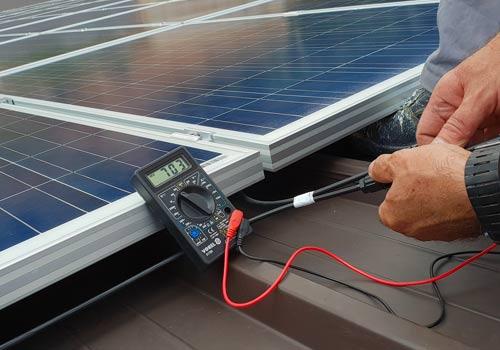 Ancien onduleur photovoltaïque : réparation ou remplacement